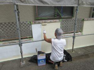塀も塗り替えます