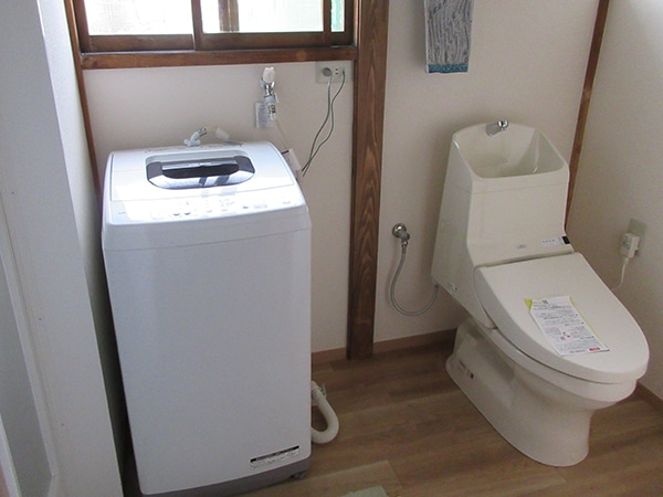 洗面台のあった位置に洗濯機を移動